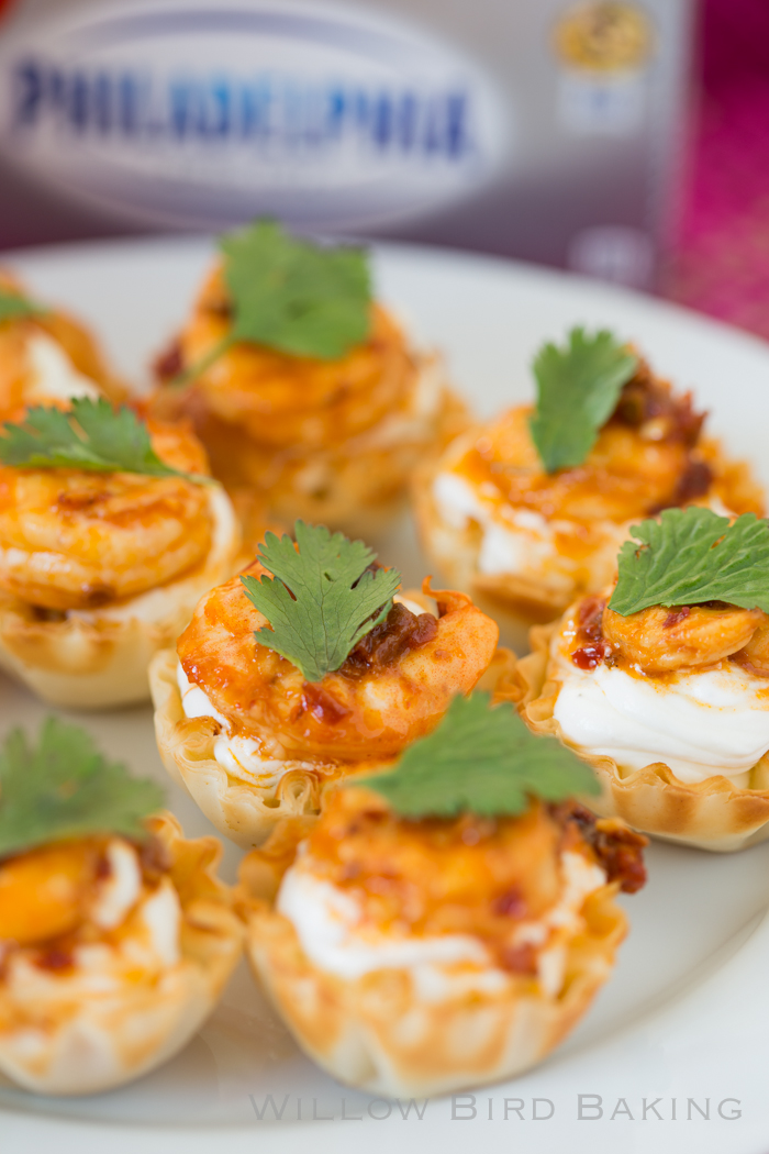 Quick and Easy Chipotle Shrimp Cups -- perfect party finger foods and SO easy!