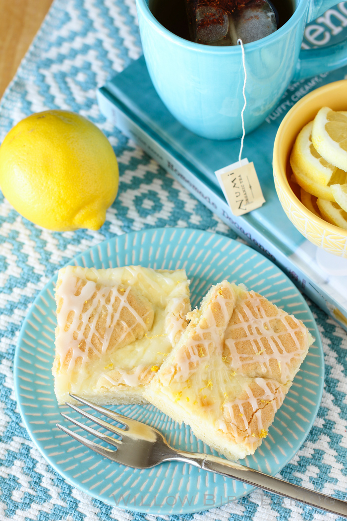 Lemon Cheesecake Kuchen Bars