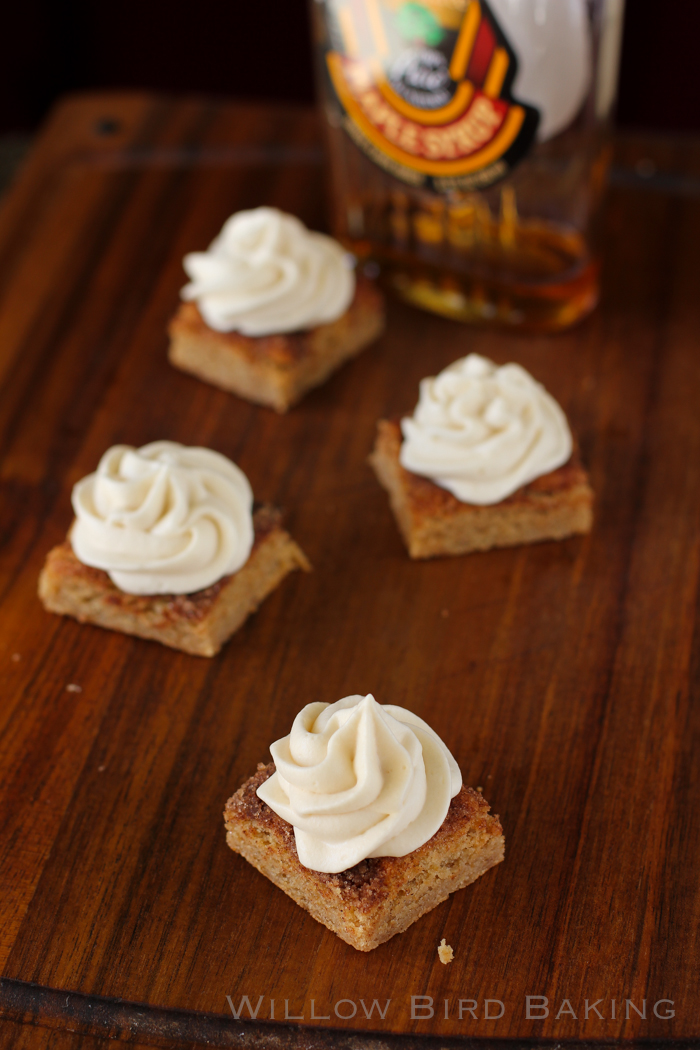 Maple Cream Snickerdoodle Bars